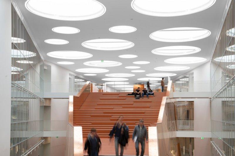 Rockfon Mono Acoustic – монолитный акустический потолок, которого ждали архитекторы и дизайнеры.